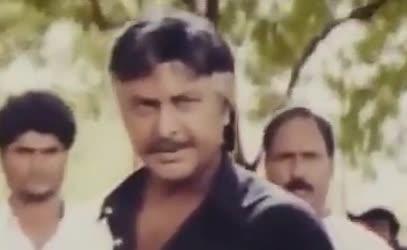 Repu road meedhaki raavalsivasthundhi