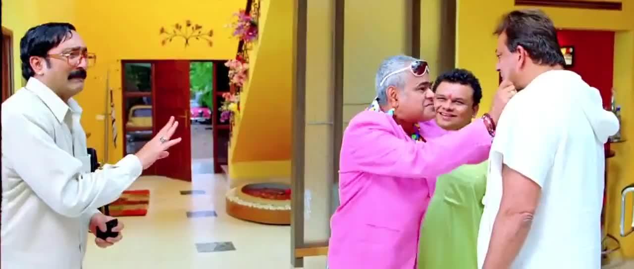 Sanjay Dutt Sanjay Mishra Slap over slap